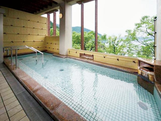 琵琶湖を望む「宮ヶ浜の湯」